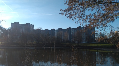 Blick über den See auf die Gruberstraße