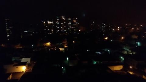 Blick auf die Teppichsiedlung bei Nacht